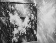 <p>尤莉亚&middot;斯坦纳,<em>Window III</em>,2014,纸上水粉,140 x 182 cm</p>