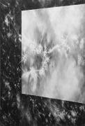 "<p>尤莉亚&middot;斯坦纳,<em isrender=""true"">Window I</em>,2014,纸上水粉,220 x 150 cm</p>"